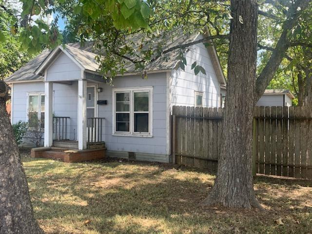 403 W Brown ST, Hearne, TX 77859