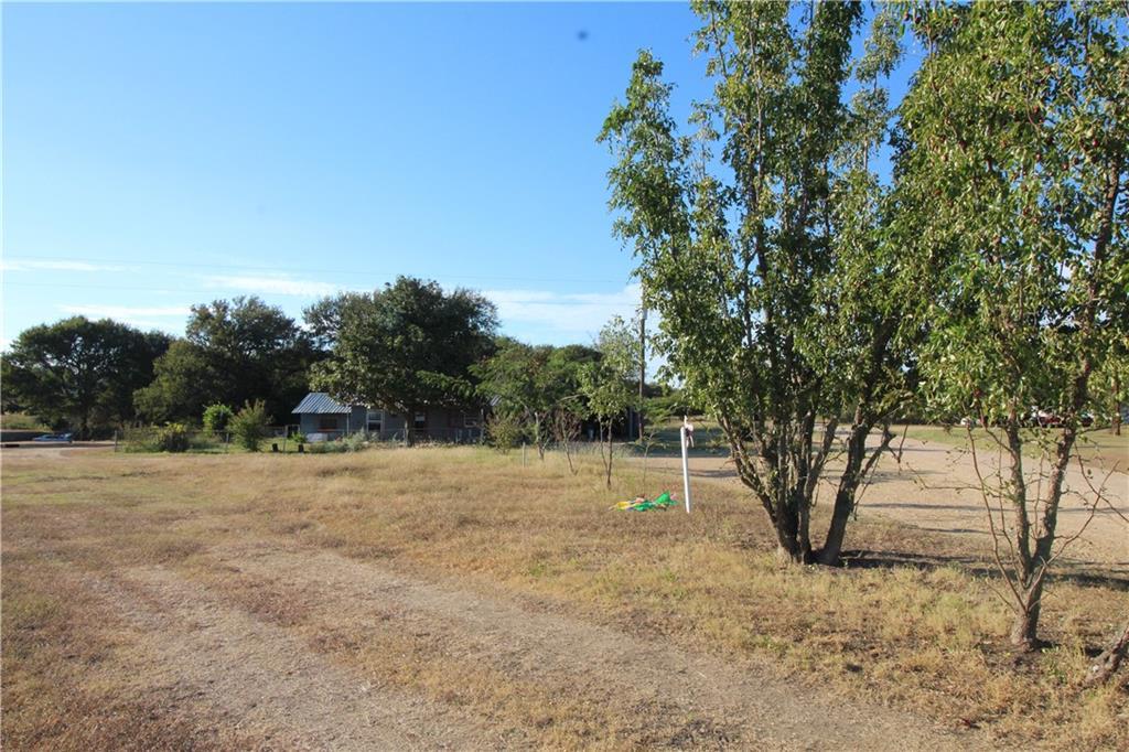 129 County Road 404 LOOP, Bartlett, TX 76511