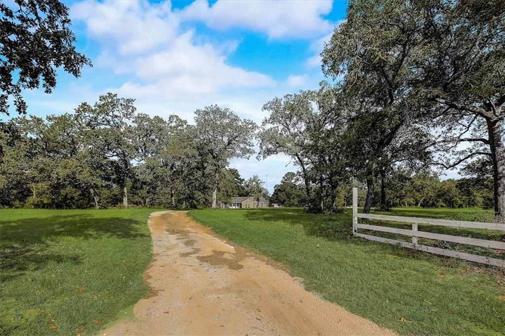 838 Cottletown RD, Smithville, TX 78957