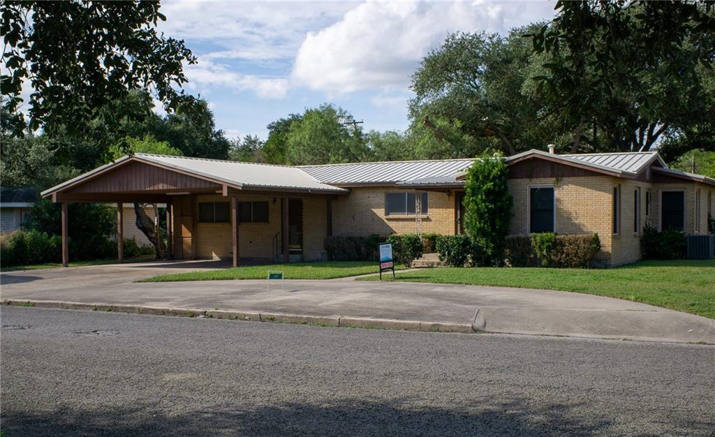 1907 Agarito Ave, Alice, TX 78332
