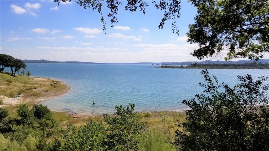 874 Lakebreeze DR, Canyon Lake, TX 78133