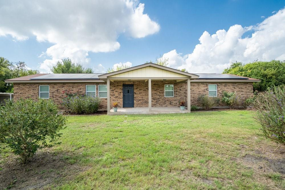 540 Lemens Ave, Hutto, TX 78634