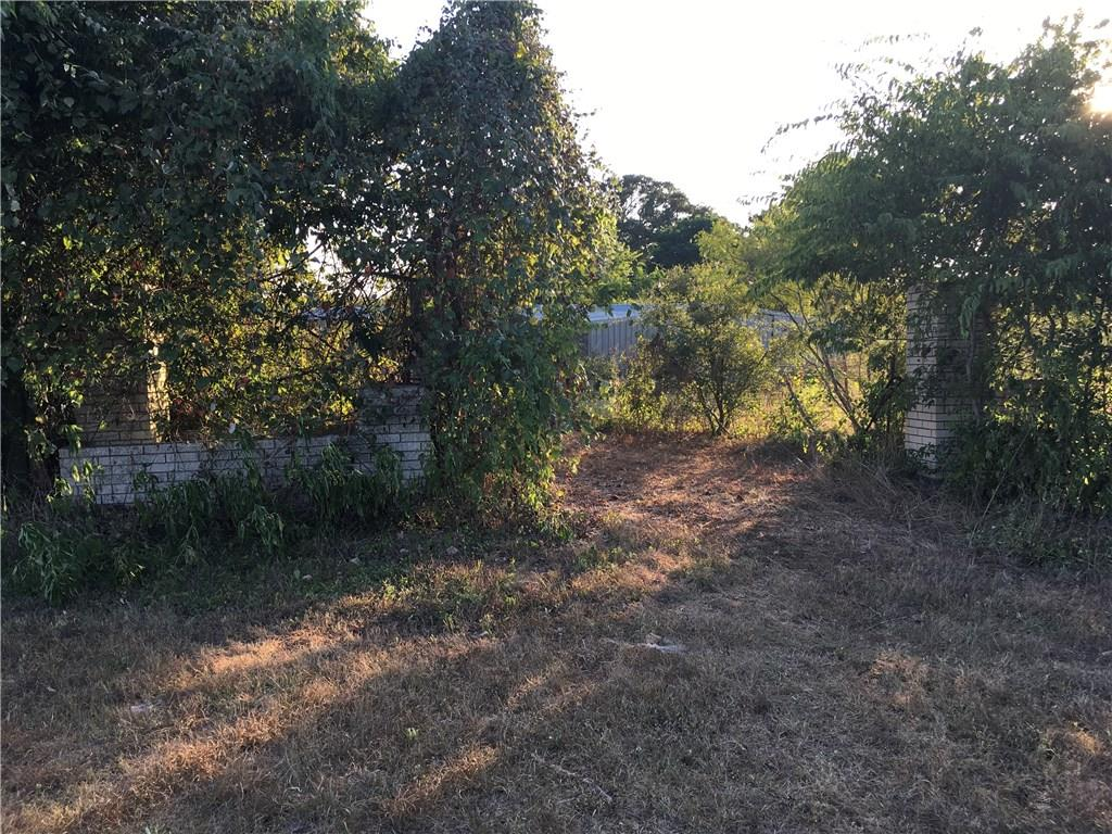 A Gem tucked away from the hustle and bustle of the city.   It's a peaceful place to build your dream home and have room for Cattle and horses.  The Easement to property is approximately 439' creating a peaceful tree lined drive. There are brick columns with planters creating a grand entrance to this property.Restrictions: Unknown