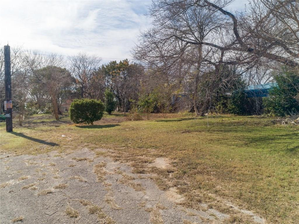 Restrictions: Yes Vacant lot conveniently located between I-35 and Mopac, LI use and survey on file.