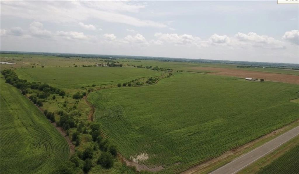 Located only minutes from both Troy and Temple! Easy access from FM 935. Electricity is also located along the FM road.