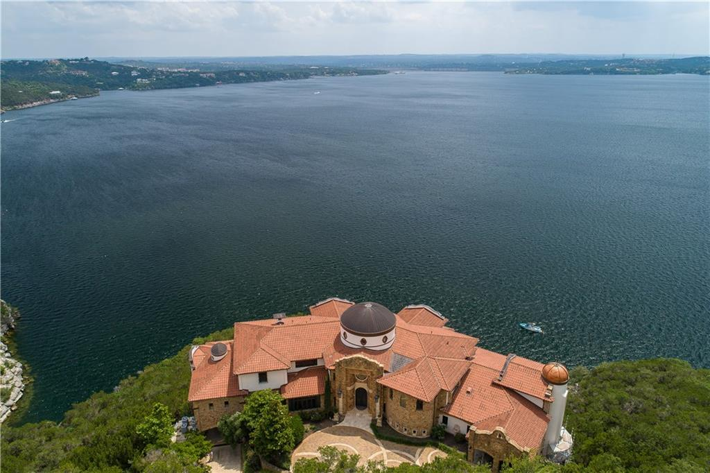 """THE LAKEHOUSE YOU'VE DREAMED ABOUT"" 