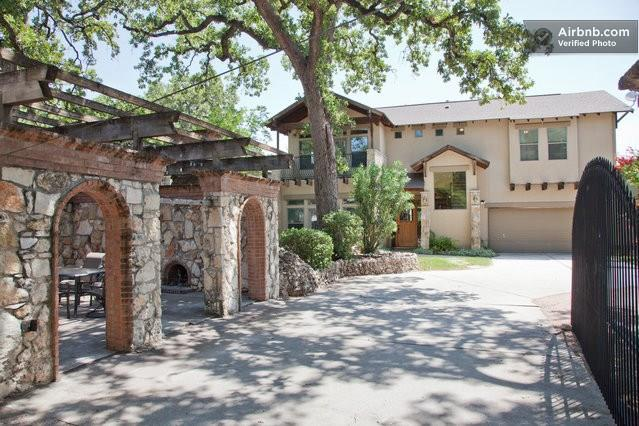 306 34th, Travis, Texas 78705, 4 Bedrooms Bedrooms, ,2 BathroomsBathrooms,Residential Lease,For Sale,34th,9841116