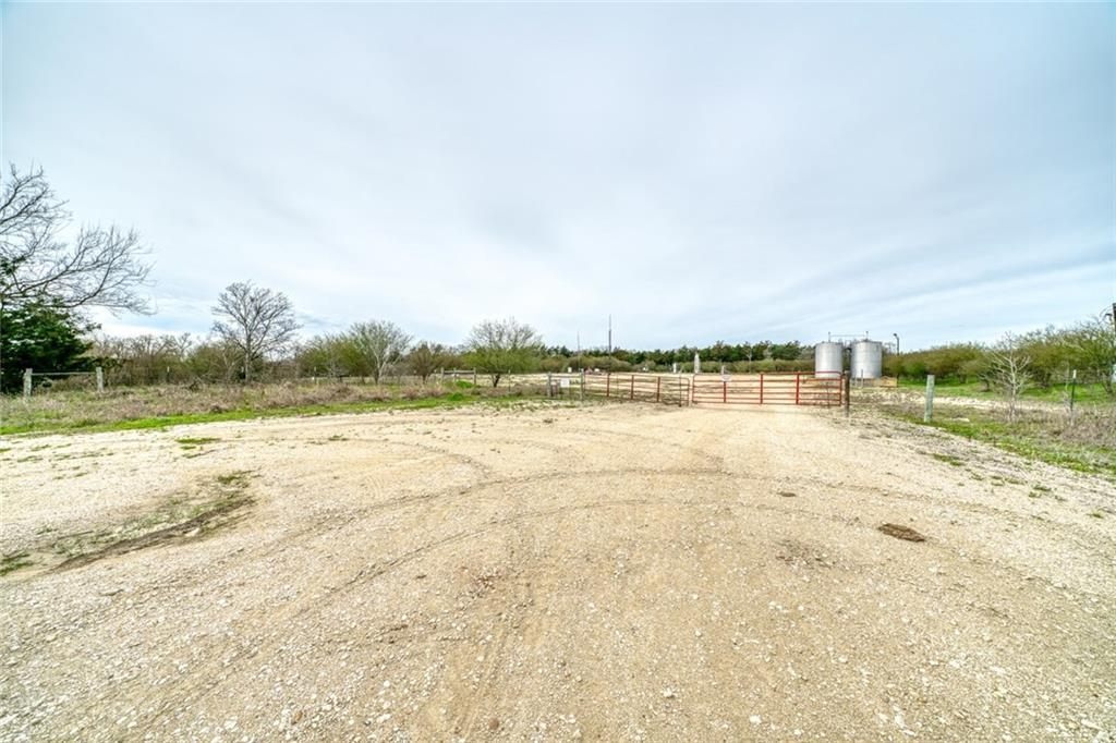 6516 New RD, Out of State, TX 77840