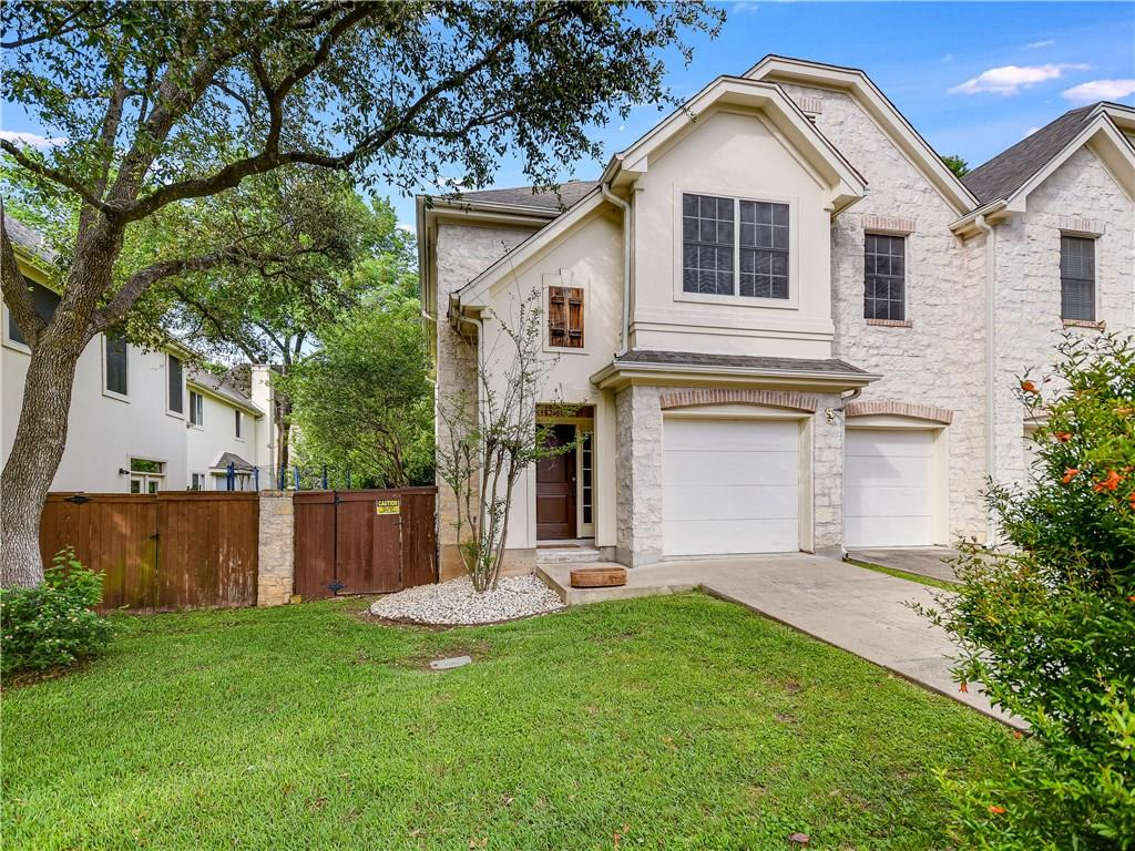 3 bedroom, 2.5 bath condo located in prime Hyde Park location is within walking distance to UT and St. Davids Hospital! Enter into spacious living area w/ fireplace & formal dining area. Kitchen has clean lines with island, breakfast area, & granite countertops. Large bedrooms for roommates or guests! Master suite features double vanity, garden tub, walk in shower, & a  sitting/study area with a large picture window. The private backyard has plenty of space for pets. Great layout in convenient location!Restrictions: Yes  Sprinkler Sys:Yes