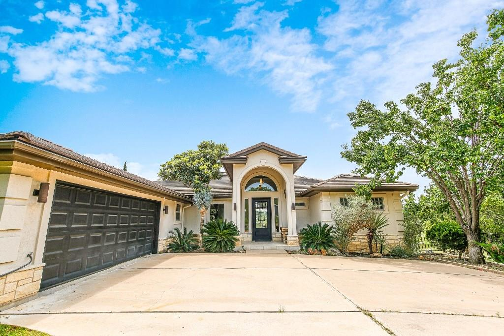 AWESOME PRISTINE GOLF COURSE HOME LOCATED IN HORSESHOE BAY WEST BACKING TO APPLE ROCK GOLF COURSE.  Remodeled/updated to finest luxurious selections.  Soaring ceilings, wet bar & elevator.  Spacious kitchen has walk-in pantry, stainless steel appliances & gorgeous granite counters.  Family room has welcoming fireplace, built-in bookcases & entertainment center.  Easy entertaining as you share breathtaking views of golf course while barbecuing on covered patio.  24 Hour notice required for all showings.Restrictions: Yes  Sprinkler Sys:Yes