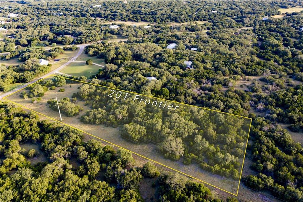 Reduced! Beautiful heritage oaks scattered throughout the property. Several cleared sites ready for your dream home.Restrictions: Yes