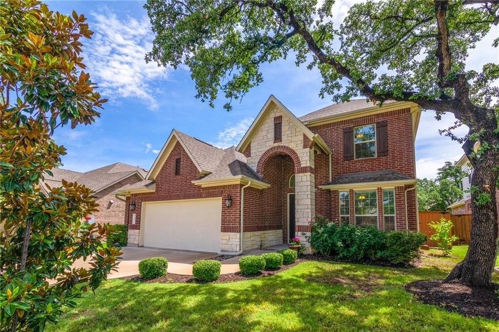 """Video @ bit.ly/13717Wire. Island kitchen w/ granite, ss appliances, 42"""" painted cabinets, subway tile backsplash, & walk-in pantry. Family room w/ 2-story ceiling & gas log fireplace w/ floor-to-ceiling tile. Master w/ walk-in closet & bay window. Master bath w/ dual vanity, garden tub, & separate shower w/ bench. Office down & game room up. 2 full baths upstairs. CCTV security cameras, tankless water heater, water purifier & softener. 2.5 car garage w/ epoxy flooring. 1/2 mile to MetroRail station.Restrictions: Yes"""