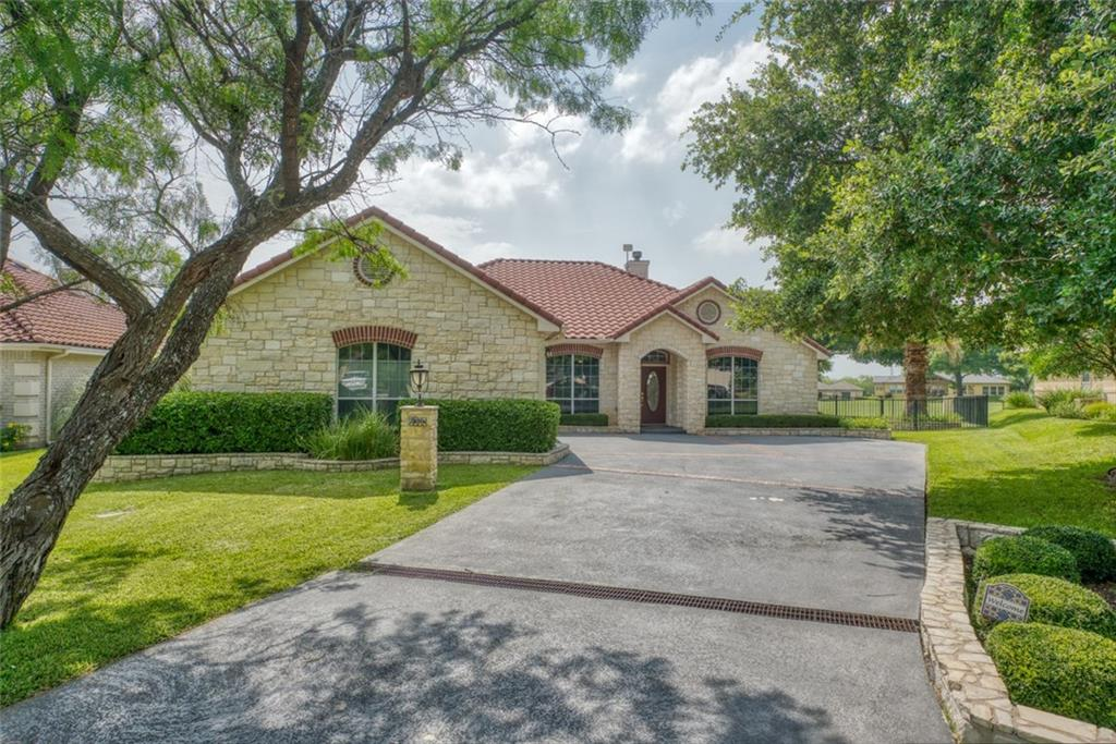 Perfectly located on Slick Rock golf course. Walk out of the back door, and have an open view of #10 green from the covered patio, that offers a built-in grill. Large side yard. This beautiful, newly-remodeled, single-story home, comes furnished; including a golf cart. Three bedrooms with ensuite baths, and an extra room that could be used as an office or additional sleeping area. Brand new hardwood floors throughout. New kitchen cabinets.Restrictions: Yes