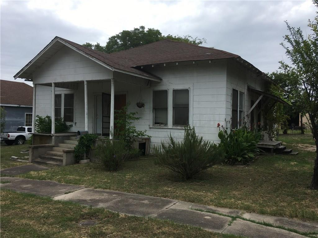 Fixer upper, lot has been cleared of all debris, foundation just leveled by owner ($6,500, warranty included), on a big double lot 100 x 150, commercial or residential allowed, almost 2,100 ft with high ceilings.  Street is a major thoroughfare thru Temple.  House needs a lot of work but has tremendous potential!  CASH OFFERS ONLY ACCEPTED, NO OWNER FINANCING!