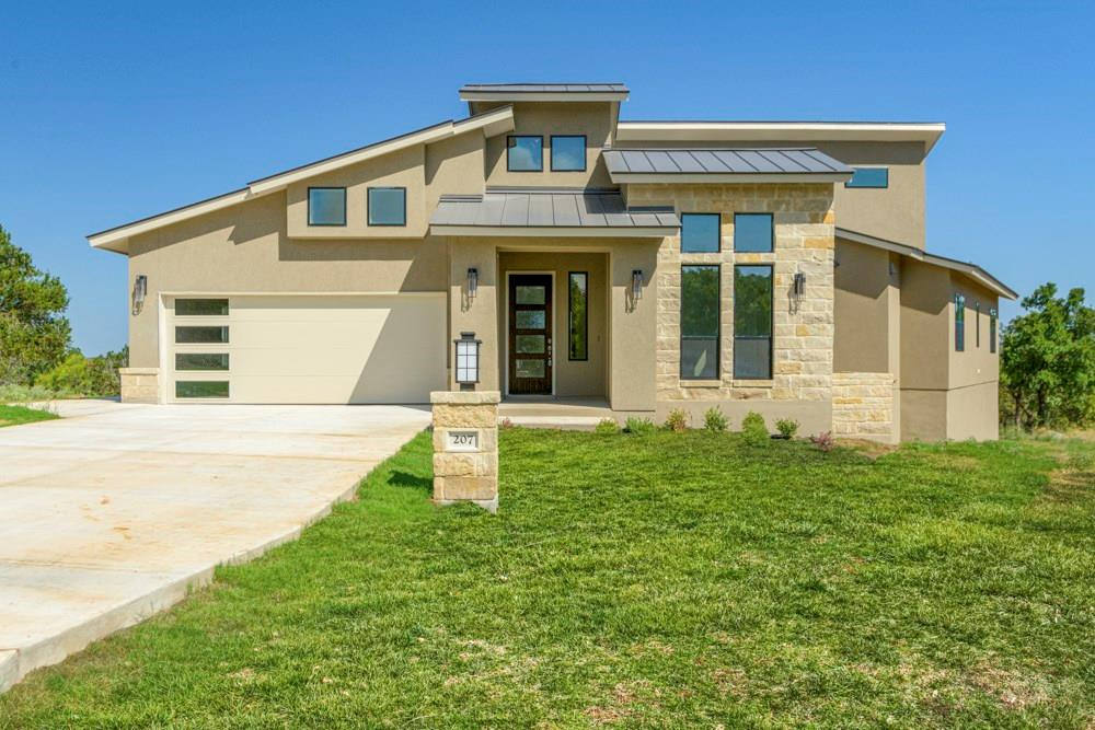 "This luxurious new Everview Homes Platinum series in Horseshoe Bay West will not disappoint. Expansive 23 foot tall living room ceilings, 40'x15' outdoor patio with kitchen. Fantastic Hill Country views from every room. Gourmet kitchen w/ over sized stainless Kitchen Aid appliances, 36"" gas cook-top. Triple stack custom cabinets, Master bathroom and custom closets are first class, energy efficient foam insulation, separate side entry golf cart bay, wine storage/bar area. Don't miss this one!FEMA - Unknown Restrictions: Yes"