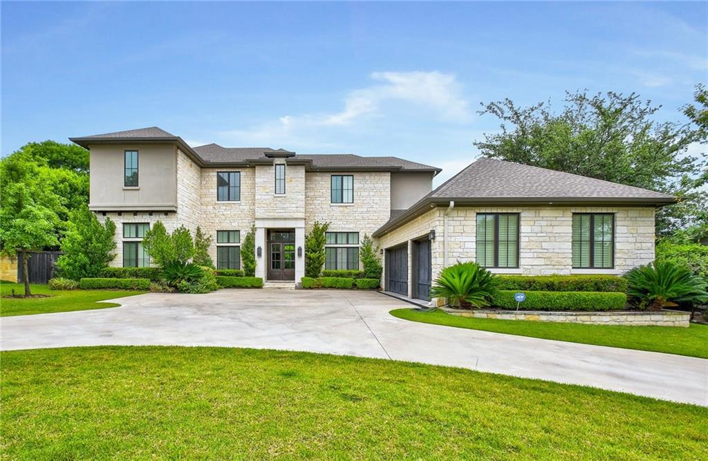 Beautiful residence located less than a block from Rollingwood Park, ball field and pool. Built by Shapiro Custom Homes, blending contemporary presence with classic charm. Surrounded by lush lawns and sculpted landscaping, covered terrace with a fireplace, built-in grill and overlooks a pool splashing with fountains. Add' amenities incl' a gourmet kitchen, office, open-concept library,Guest Accommodations: Yes  Sprinkler Sys:Yes