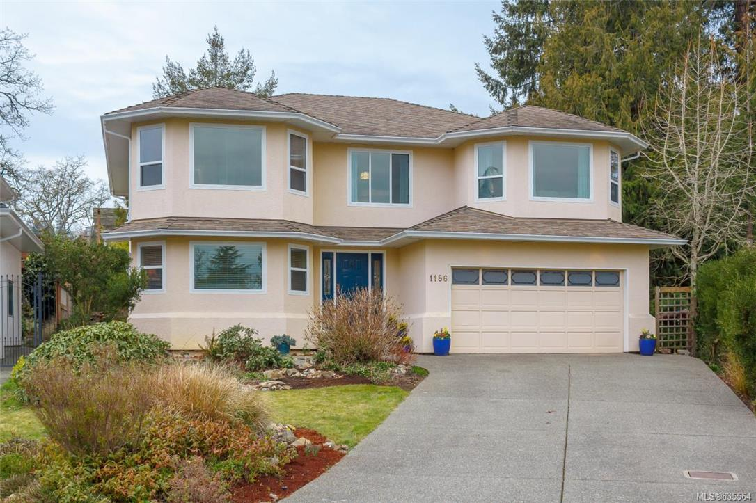 Picturesque 5 bedroom residence with lovely curb appeal
