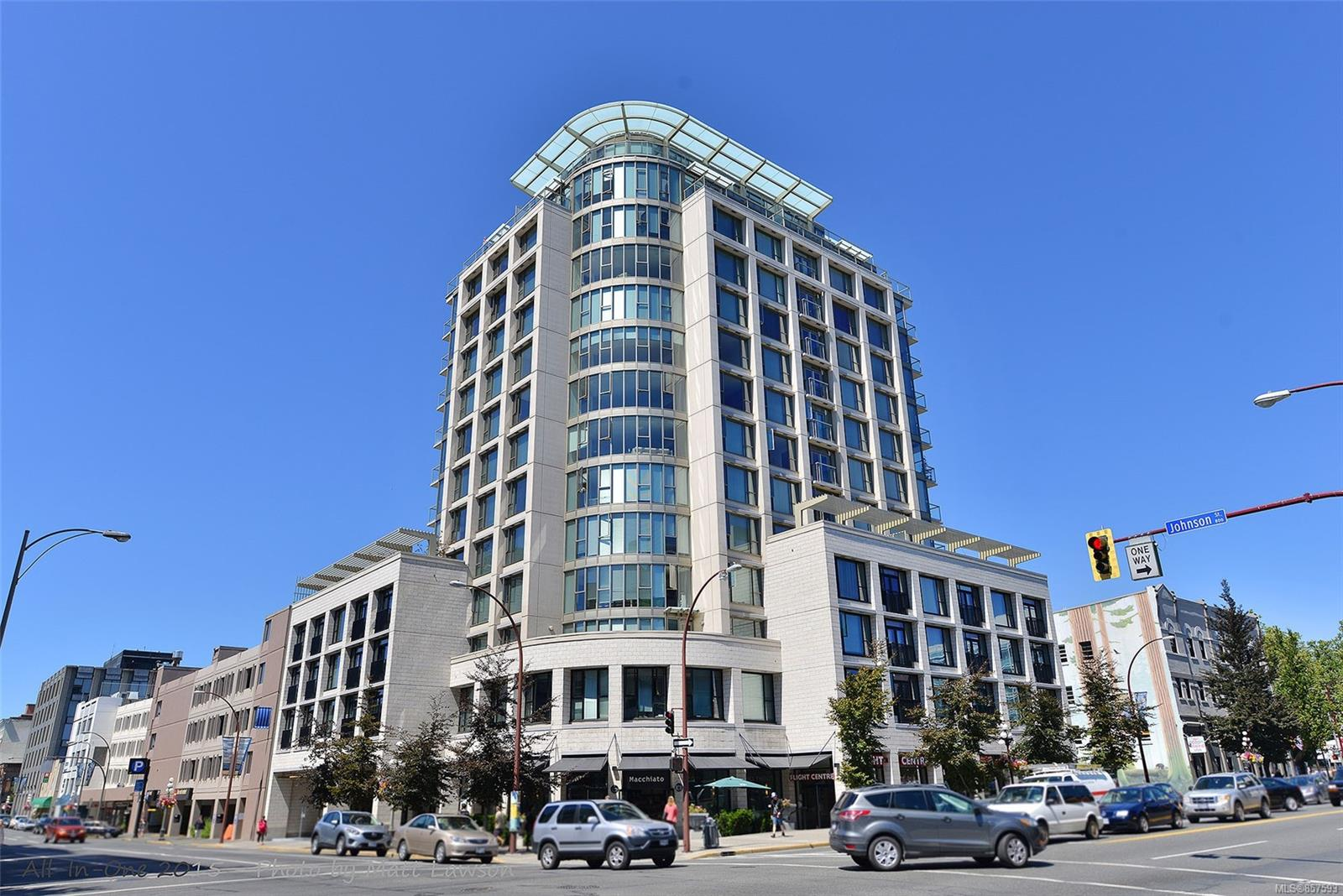 1 Bedroom, 1 Bathroom, Condo/Townhouse in Victoria