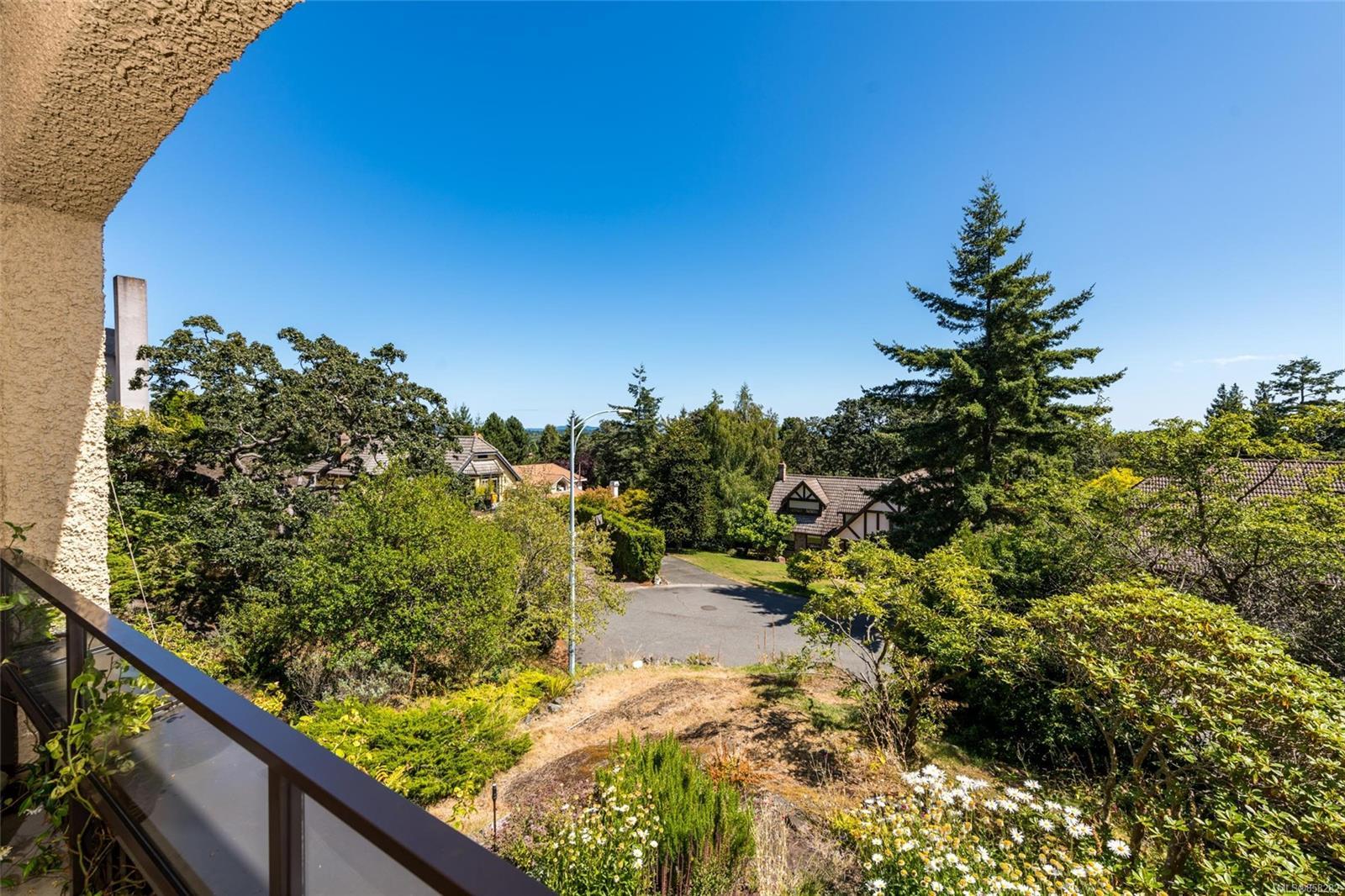 Photo 24 at 2 - 1001 Terrace Avenue, Rockland, Victoria