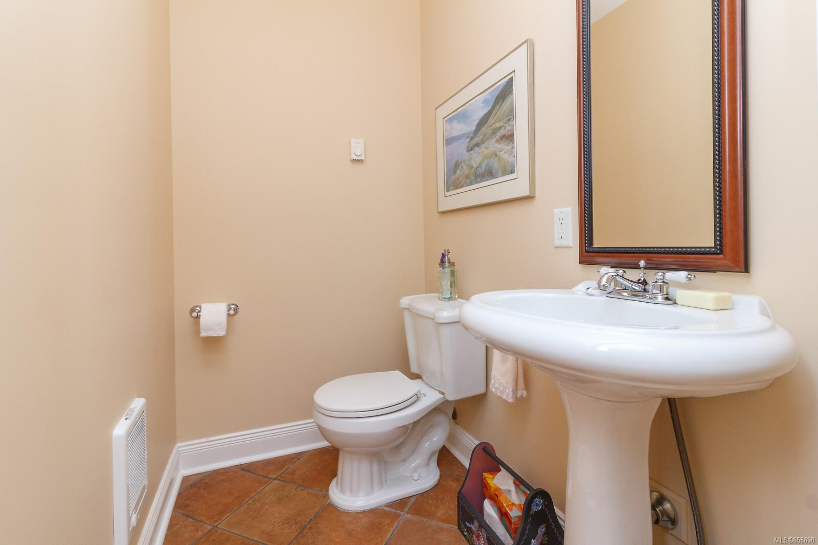 Photo 22 at 10953 Chalet Road, Deep Cove, North Saanich
