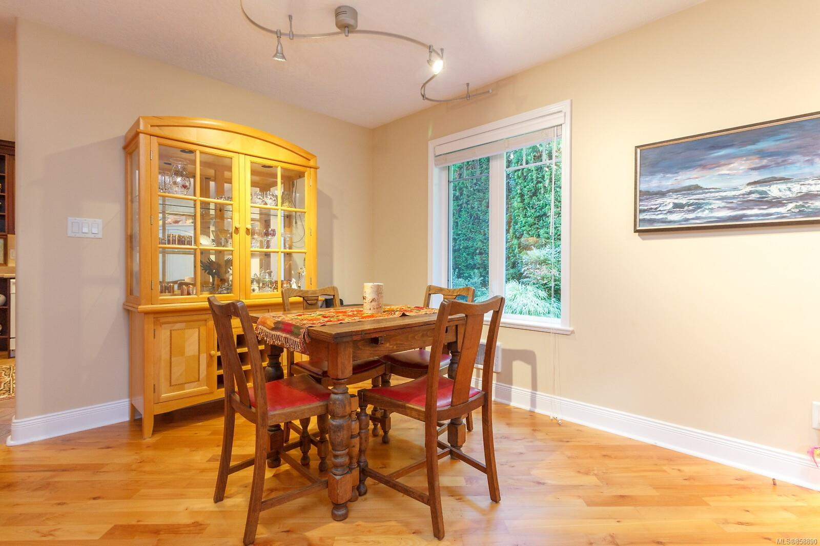 Photo 12 at 10953 Chalet Road, Deep Cove, North Saanich