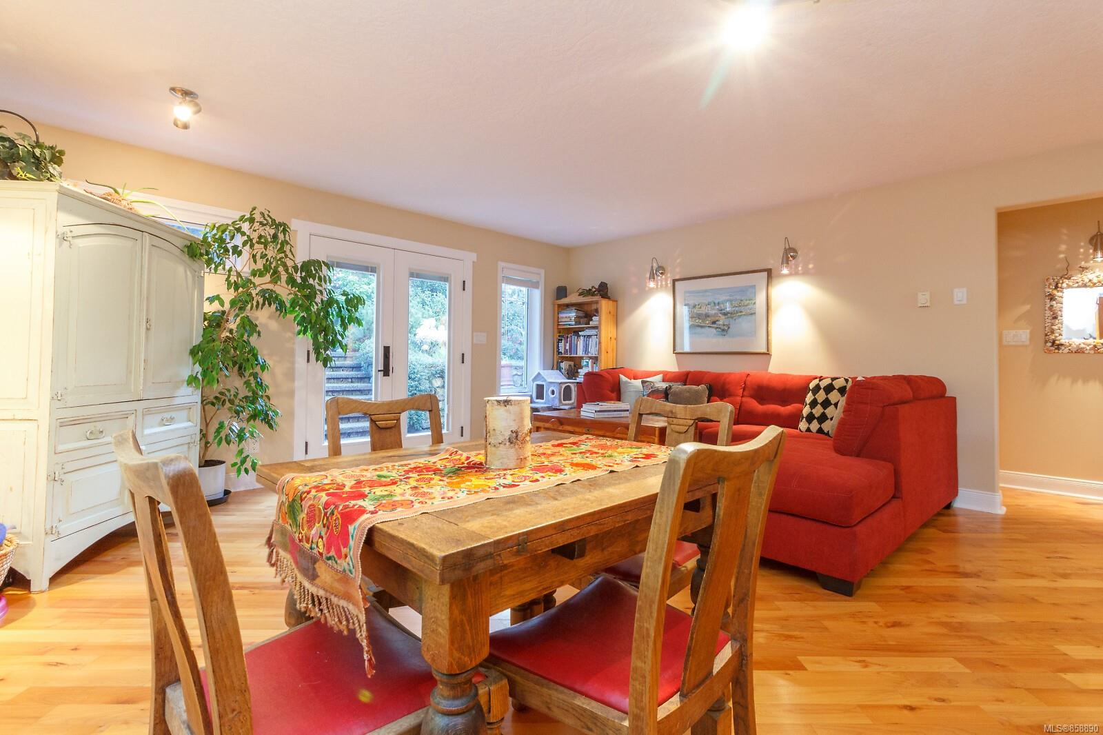 Photo 6 at 10953 Chalet Road, Deep Cove, North Saanich