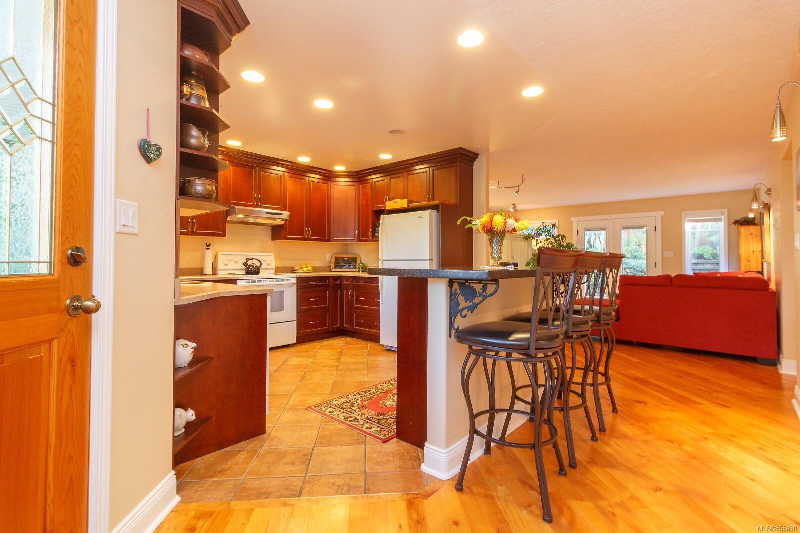 Photo 4 at 10953 Chalet Road, Deep Cove, North Saanich