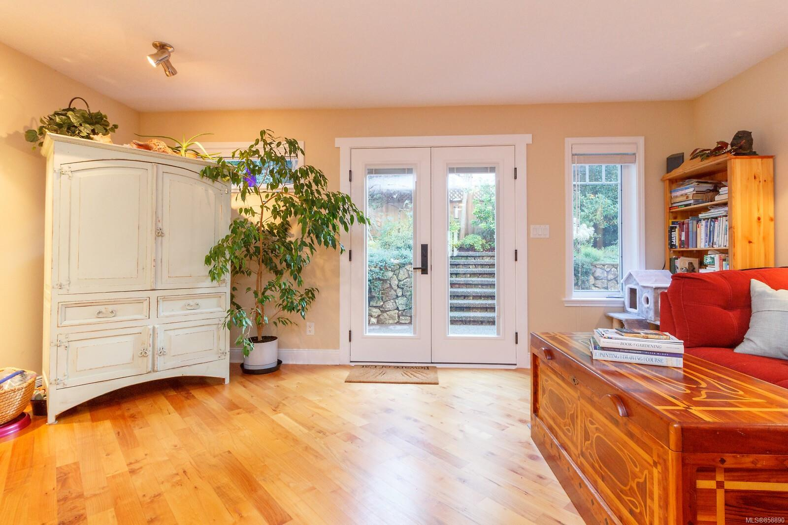 Photo 8 at 10953 Chalet Road, Deep Cove, North Saanich