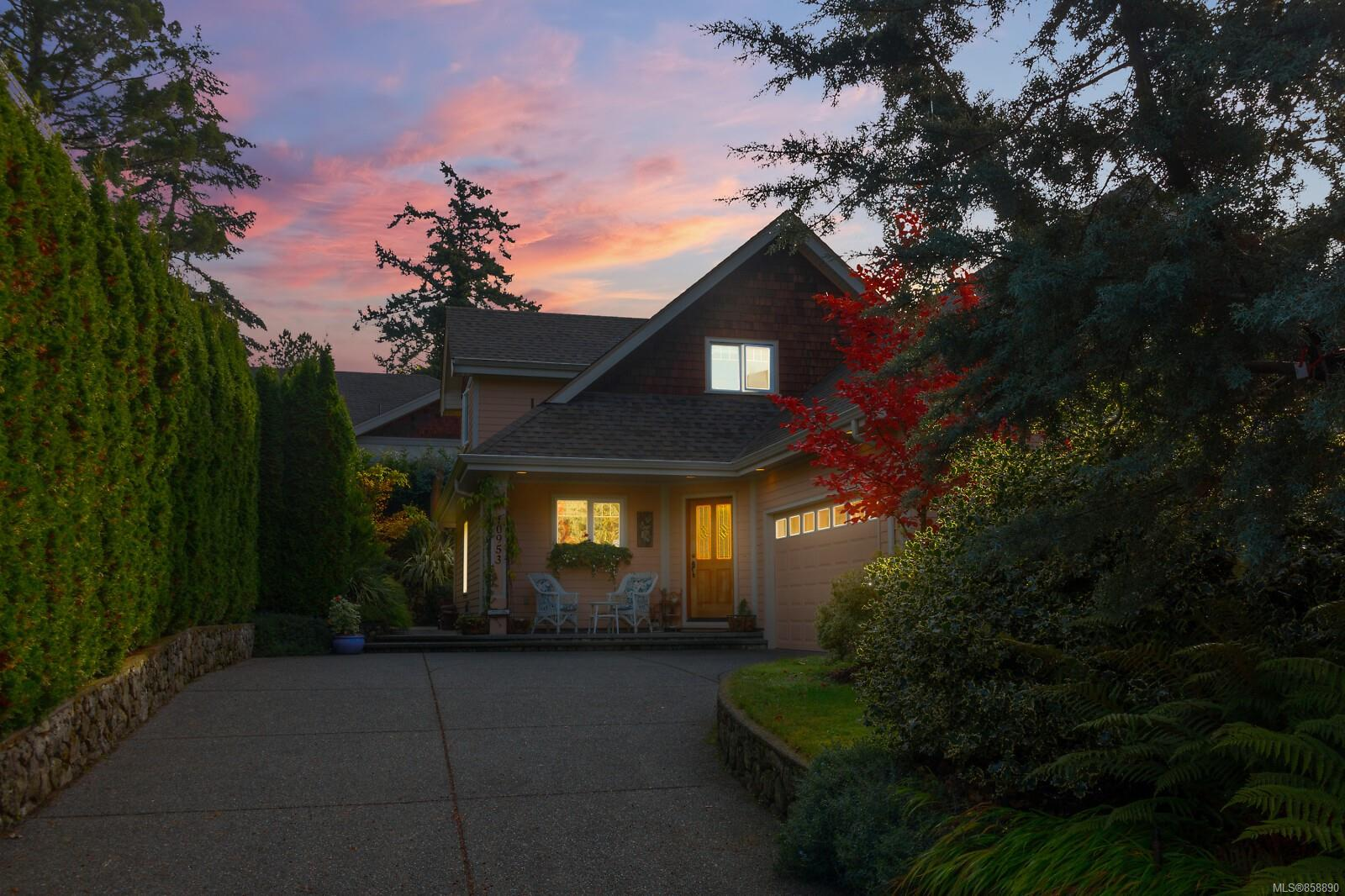 Photo 33 at 10953 Chalet Road, Deep Cove, North Saanich