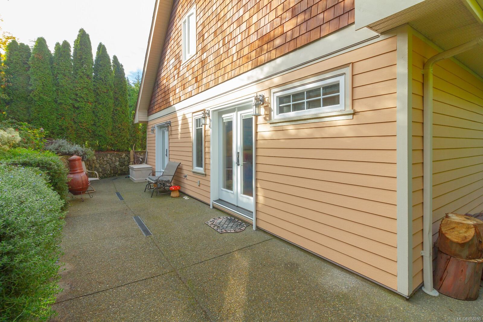 Photo 9 at 10953 Chalet Road, Deep Cove, North Saanich