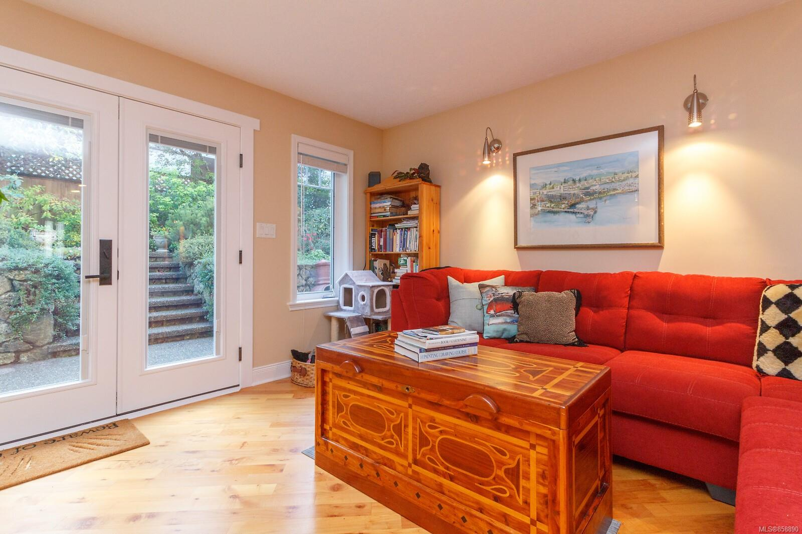 Photo 10 at 10953 Chalet Road, Deep Cove, North Saanich