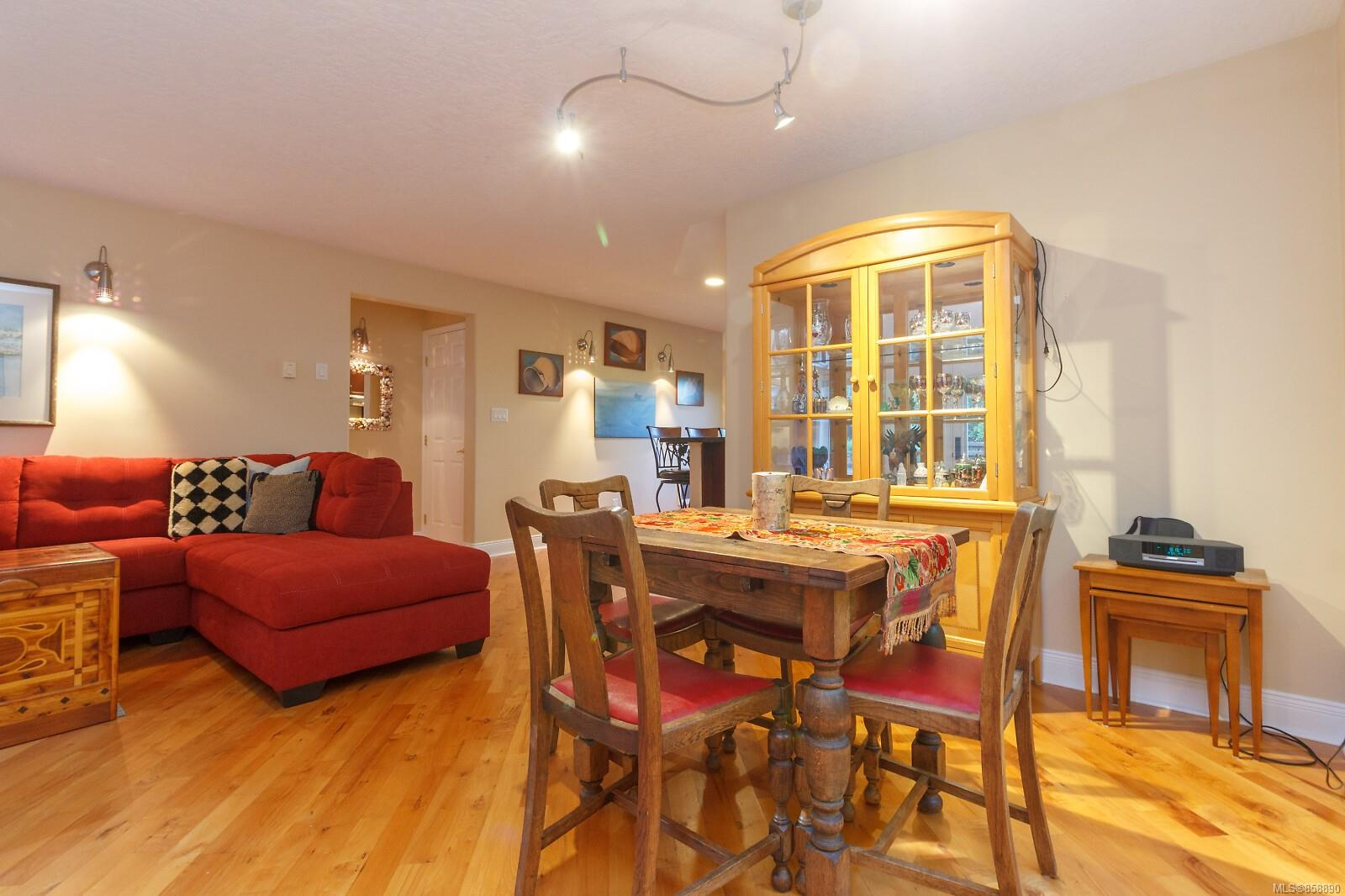 Photo 7 at 10953 Chalet Road, Deep Cove, North Saanich