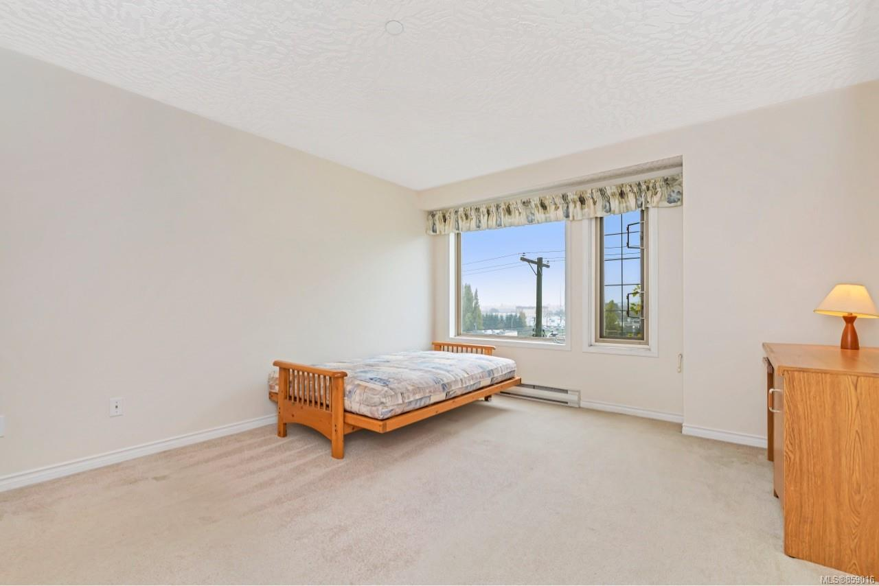 Photo 21 at 302 - 3700 Carey Road, Gateway, Saanich West
