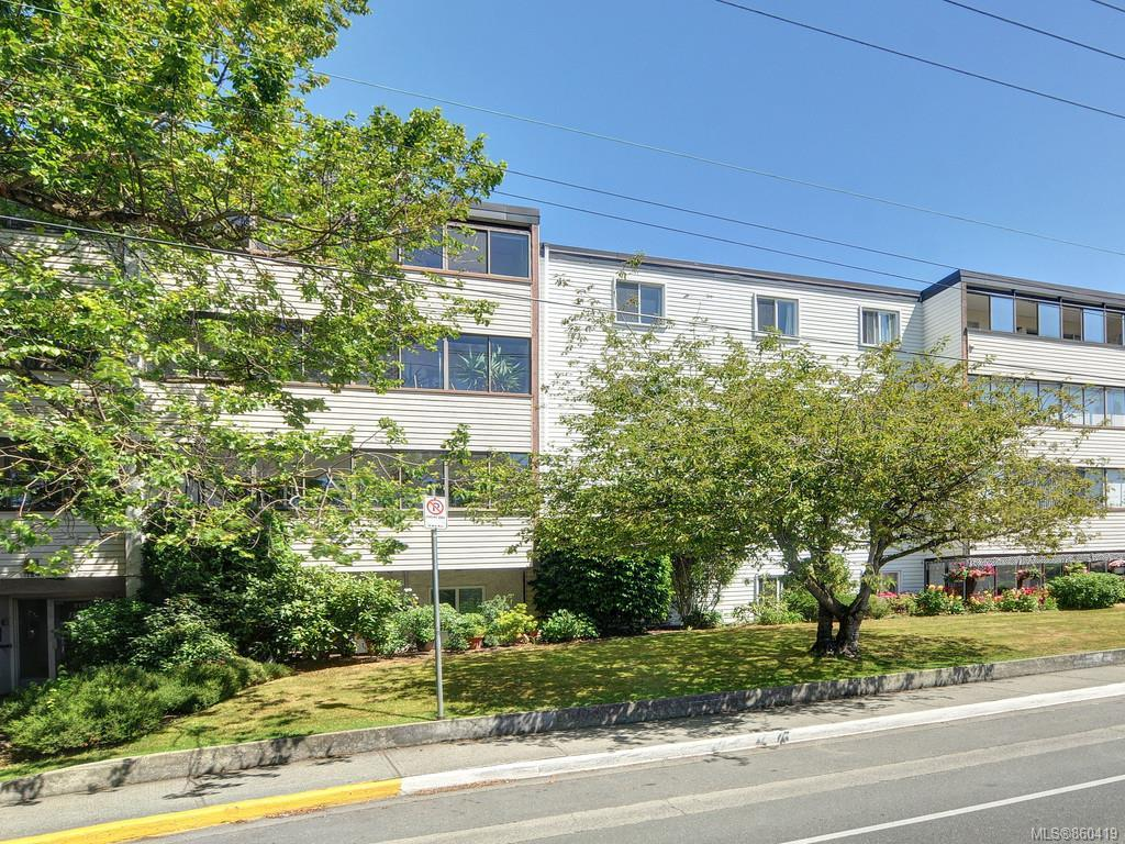3 Bedroom, 1 Bathroom, Condo/Townhouse in Esquimalt