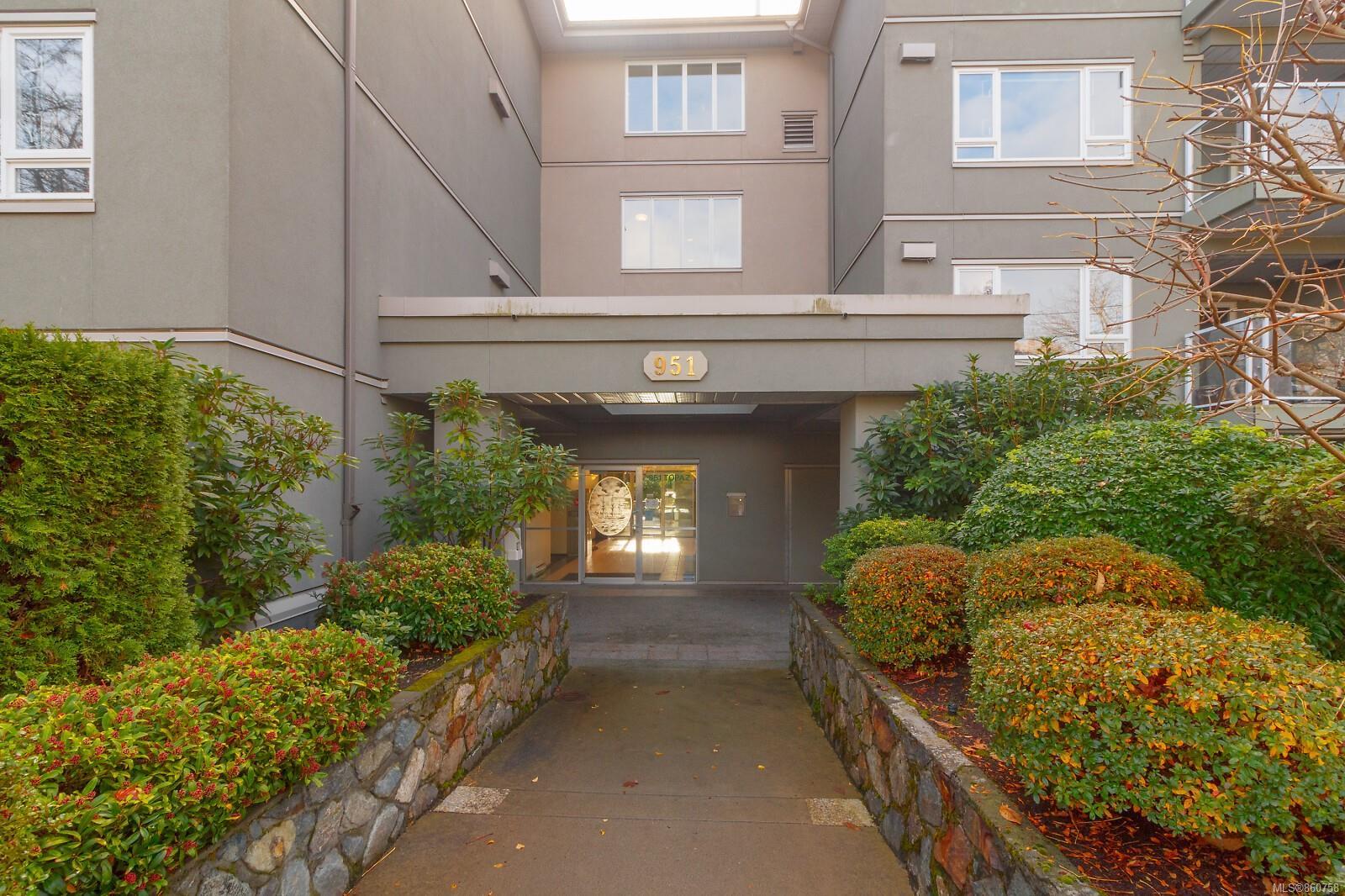 401 - 951 Topaz Avenue, Hillside, Victoria photo number 2