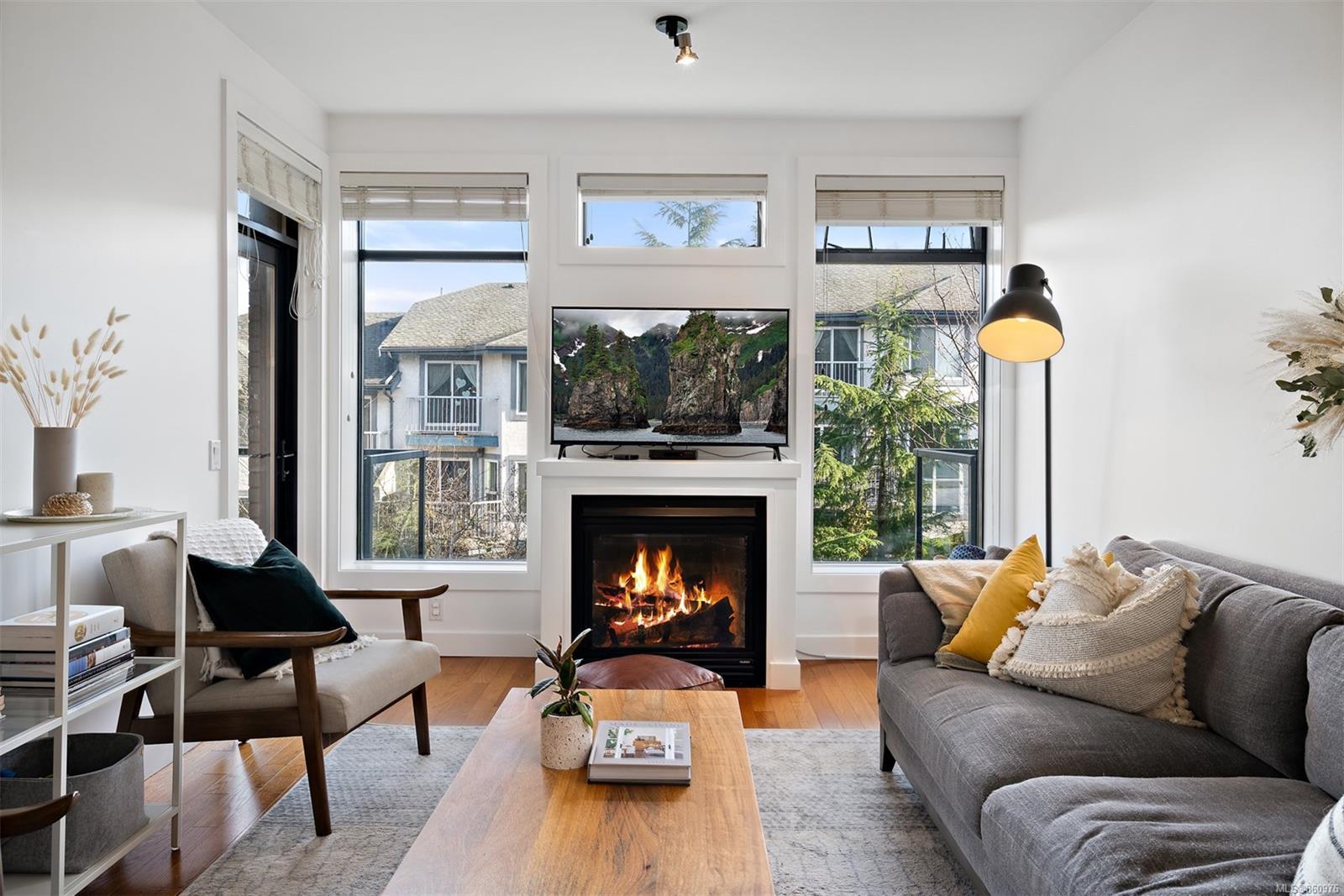 204 - 3259 Alder Street, Mayfair, Victoria photo number 2