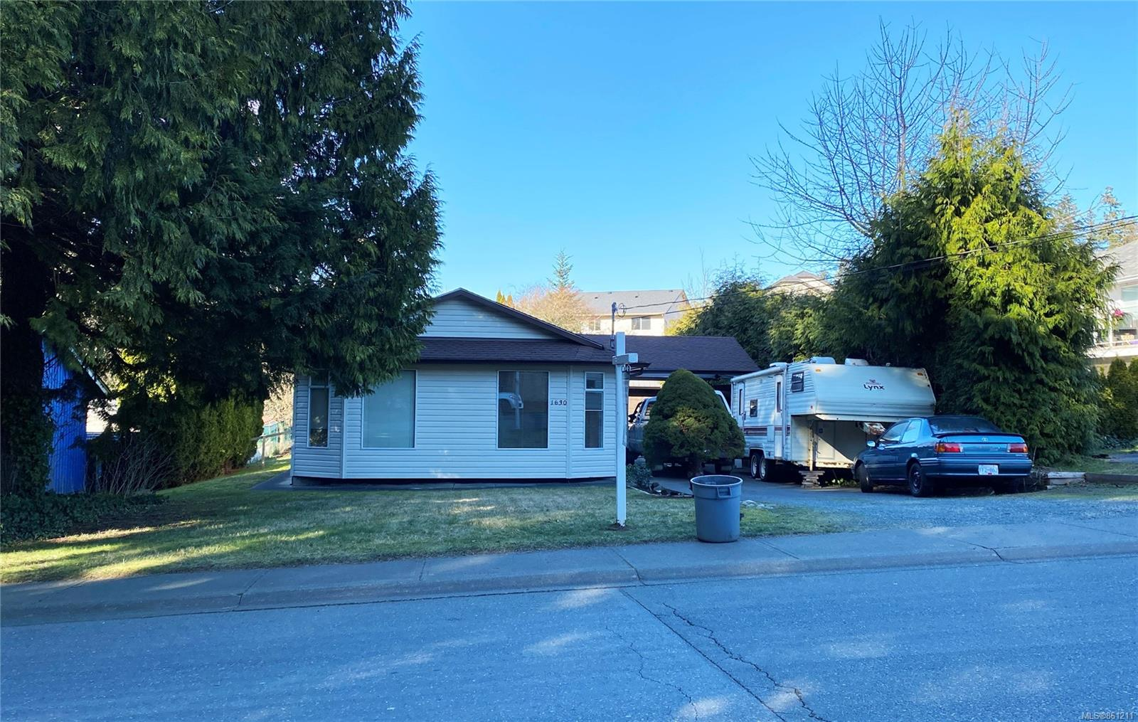 1630 E 6th Street, Comox Valley photo number 2