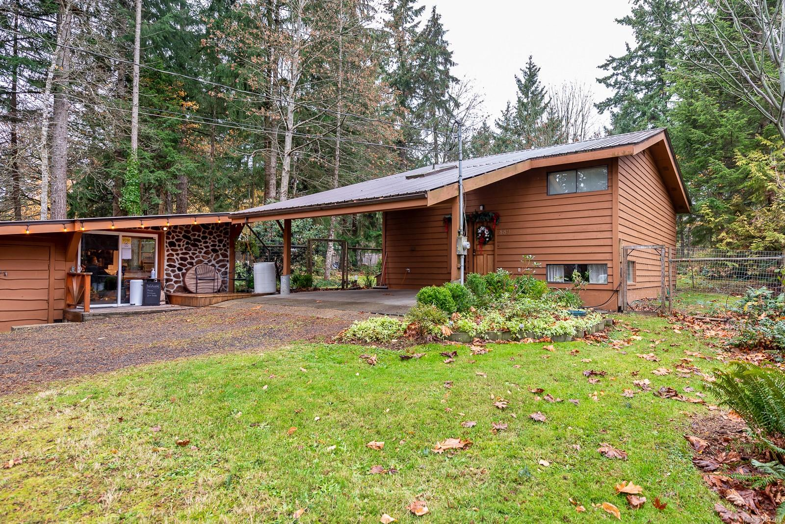 889 Acacia Road, Comox Valley photo number 2