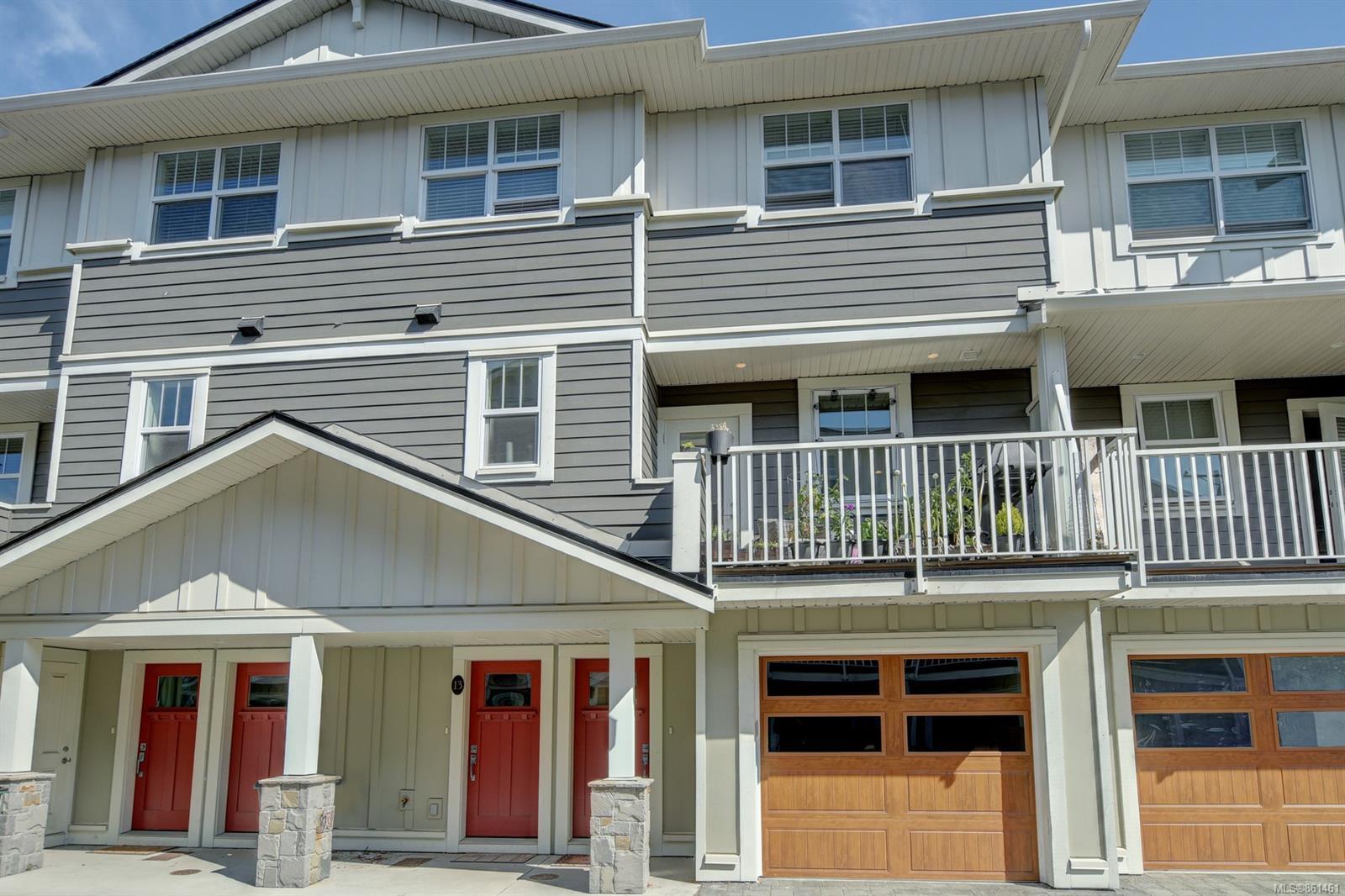 3356 Whittier Ave # 13, Saanich BC V8Z 3P9