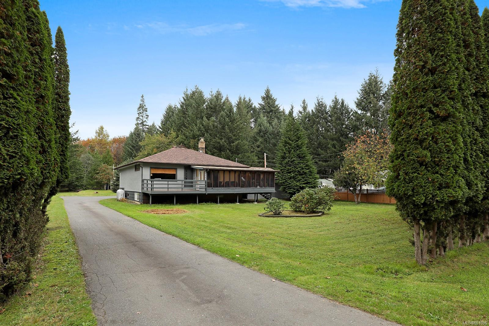 2183 Lake Trail Road, Courtenay West, Comox Valley photo number 2