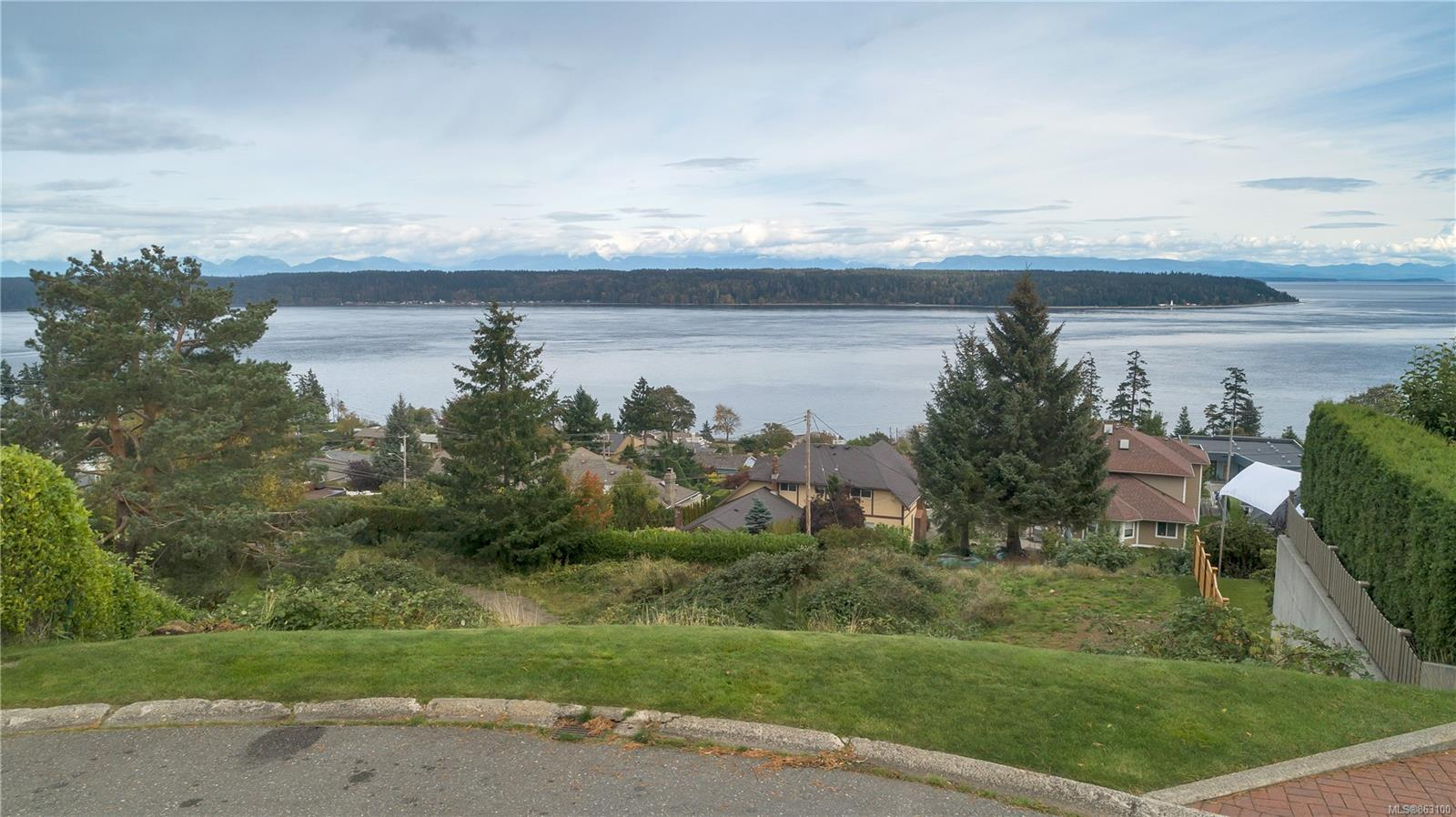 421 Eagle Ridge Road, Campbell River Central, Campbell River photo number 2