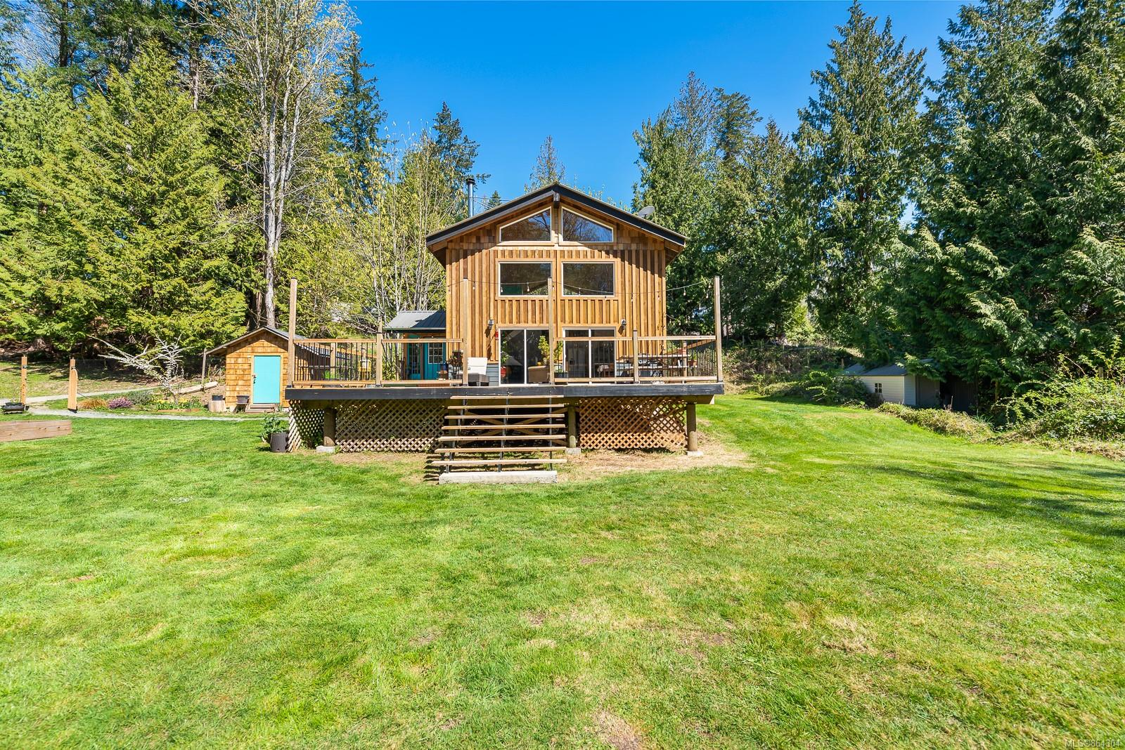 Isl Hornby Island Single Family Detached for sale:  3 bedroom 1,289 sq.ft. (Listed 2021-02-24)
