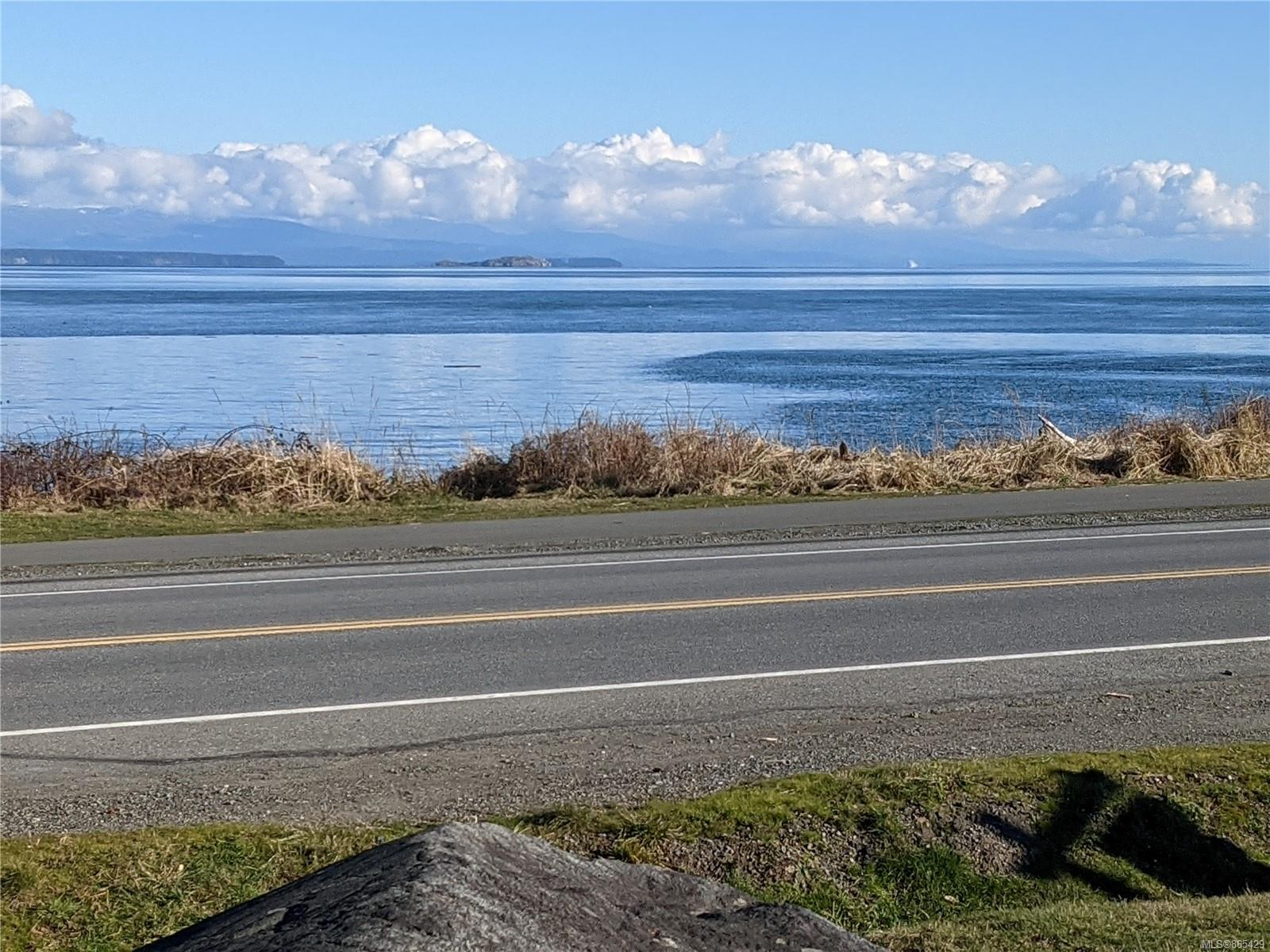 3190 S Island Highway, Willow Point, Campbell River photo number 2