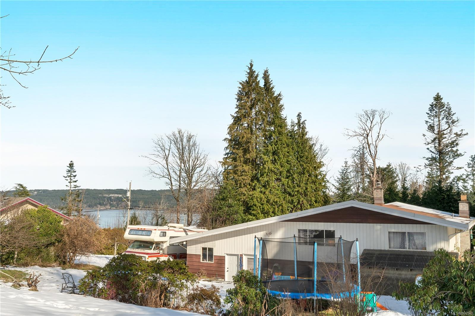 4360 Discovery Drive, Campbell River North, Campbell River photo number 2