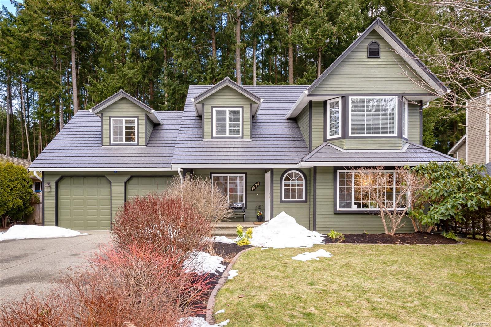 1574 Mulberry Lane, Comox Valley photo number 2