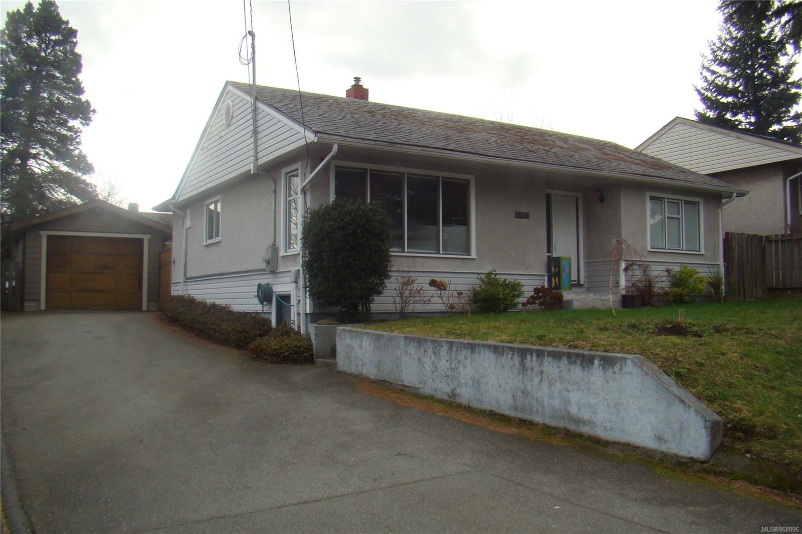 1223 Strathmore Street, Nanaimo photo number 2