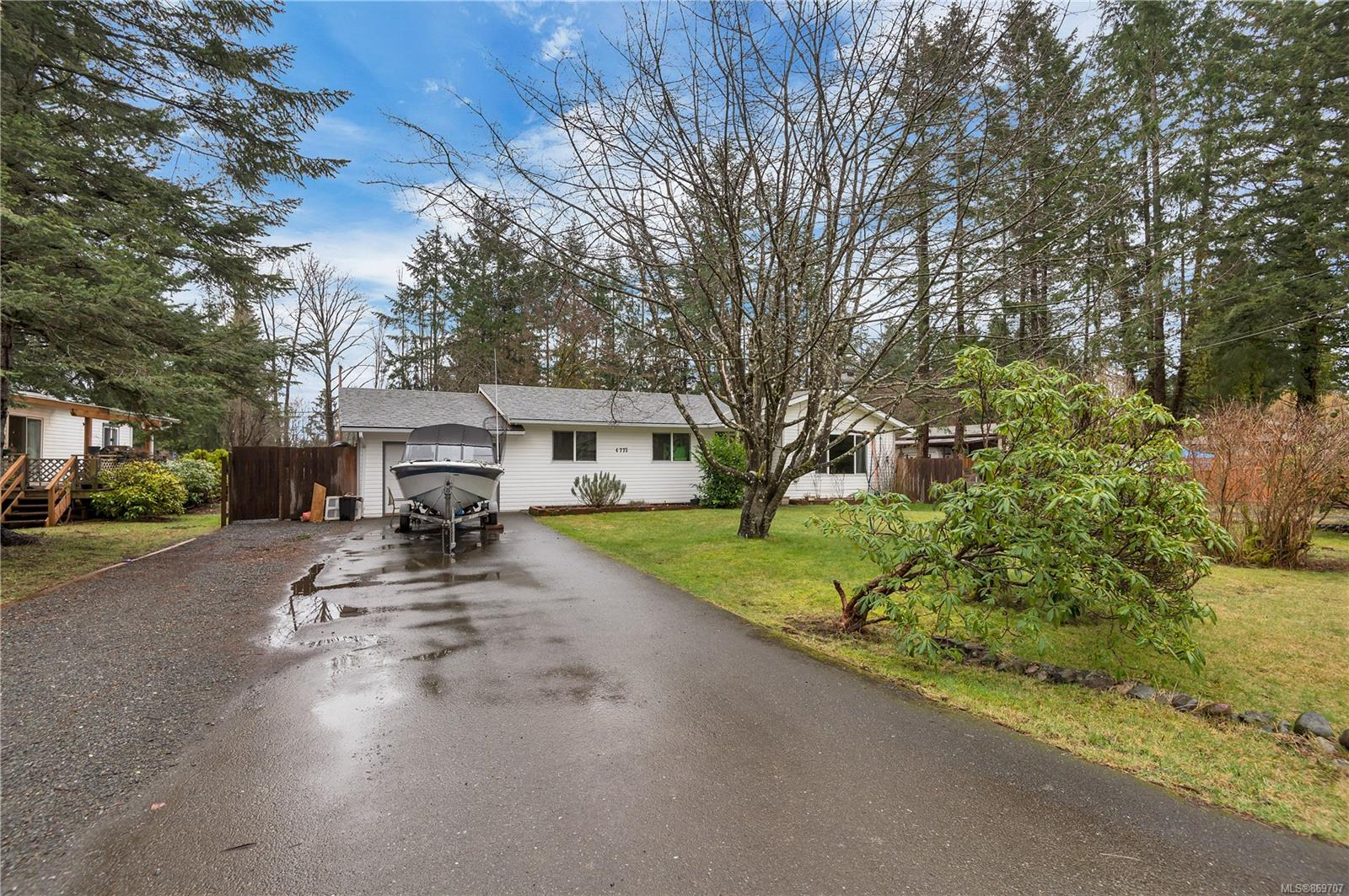 4772 Upland Road, Campbell River South, Campbell River photo number 2