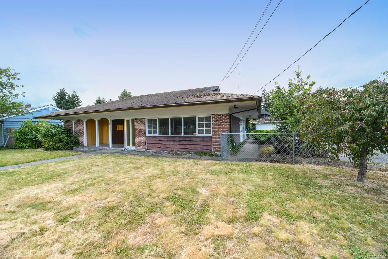 643 6th Street, Comox Valley photo number 2