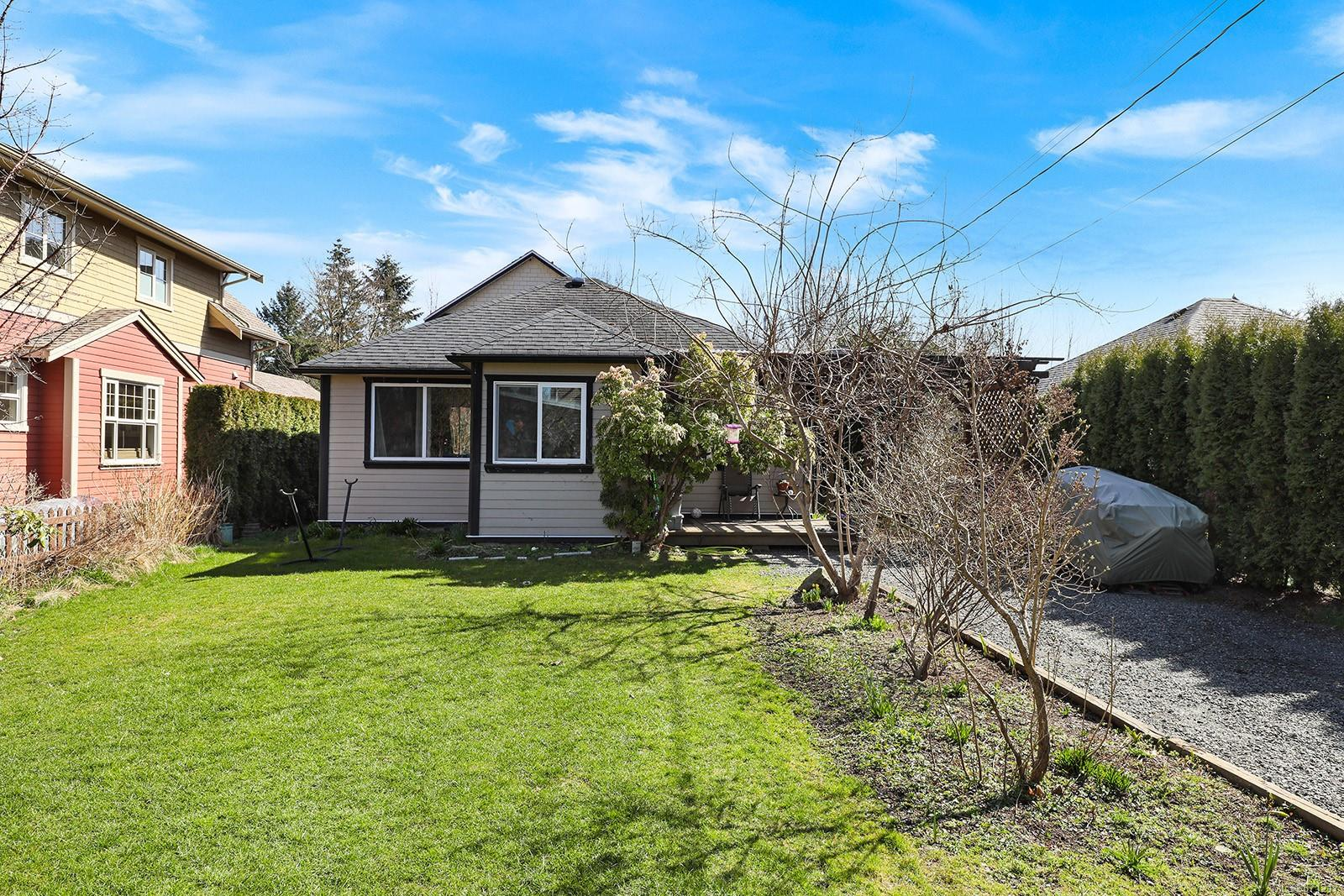 864 3rd Street, Courtenay City, Comox Valley photo number 2