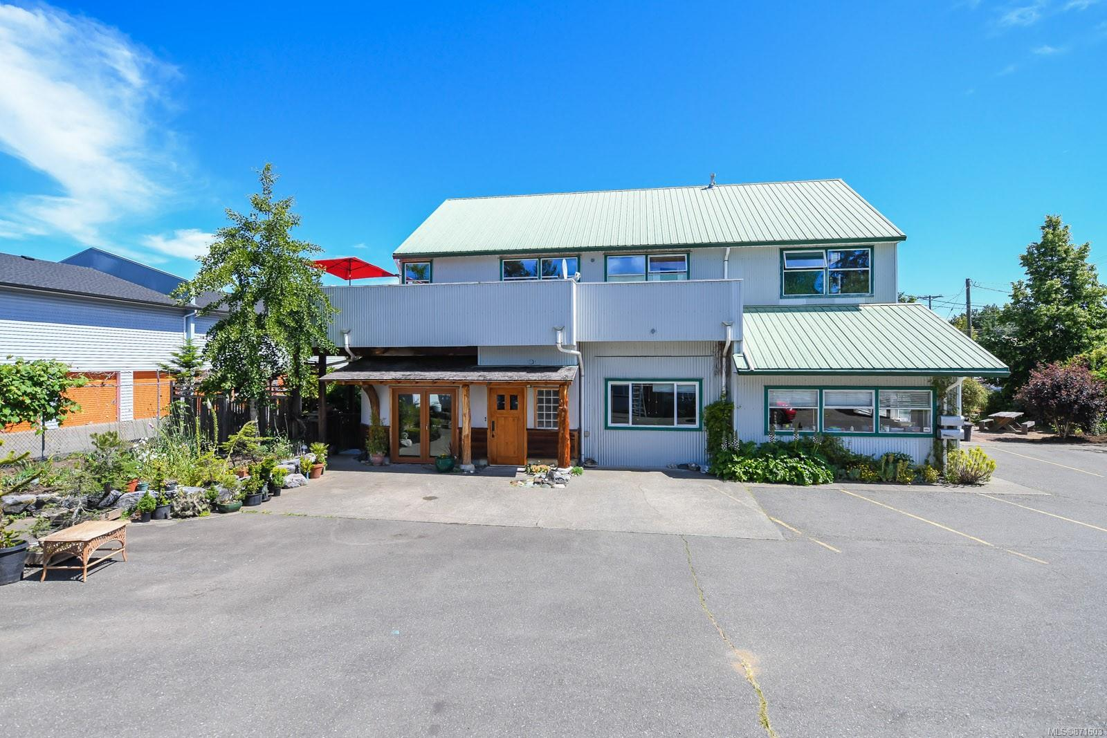 2328 Rosewall Crescent, Courtenay City, Comox Valley photo number 2